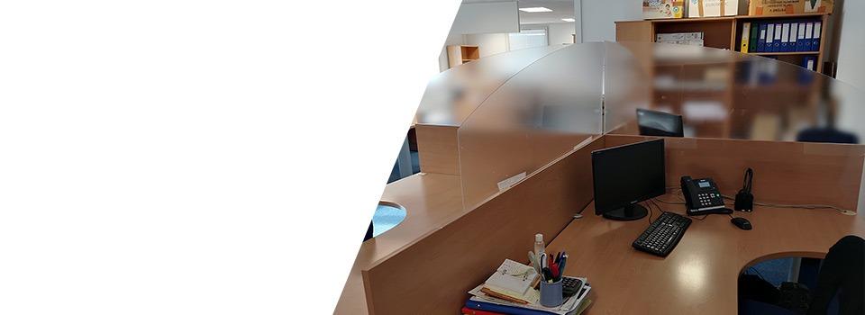Séparateur-de-bureau-vitre